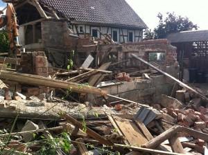 demolition-99432_640