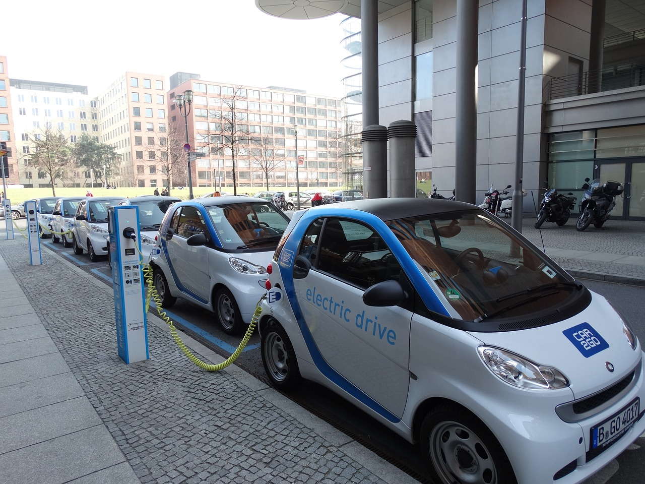 A Combination of Electric Cars and Solar Energy Could Tackle Global Warming